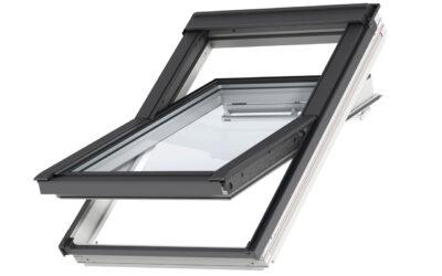 """Polüuretaankattega ülalt avatav 3-kordse klaaspaketiga VELUX katuseaken """"Premium"""""""