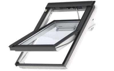"""Polüuretaankattega kaugjuhitav ülalt avatav 3-kordse klaaspaketiga VELUX INTEGRA katuseaken """"Premium"""""""